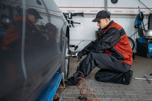 5 Signs That Your Car Tire Is Worn Out And You Need New Tires